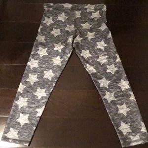 "Terez Pants & Jumpsuits - Terez Grey 9"" Star Cropped Leggings Size S Small"